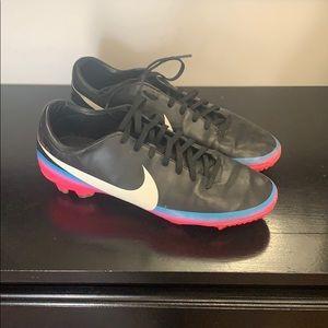 Nike cleats-7.5